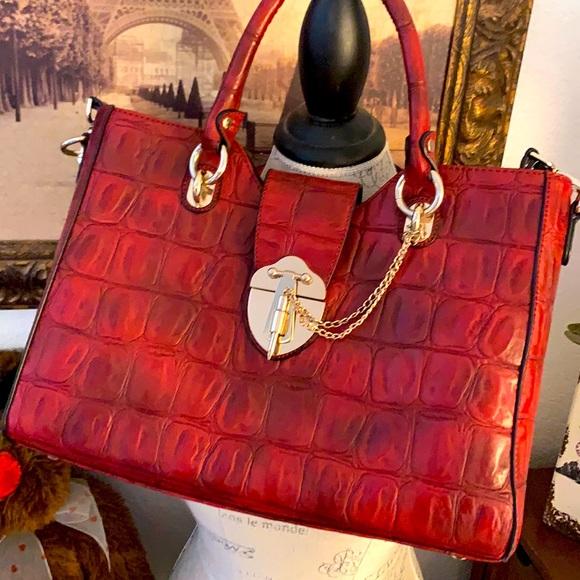 Reddish black handbag! Elegant to casual!